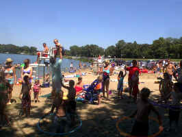Lake Le Homme Dieu Beach - Beach Party